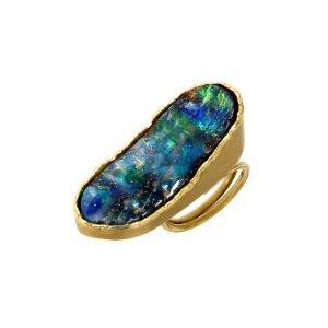 Anello con opale boulder