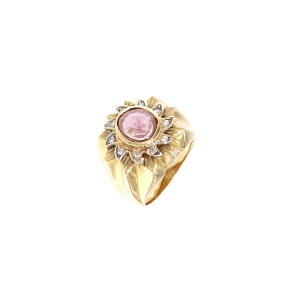 Anello con zaffiro rosa centrale e brillanti