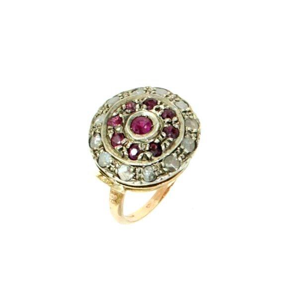 Anello di rubini e diamanti