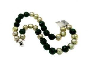 Bracciale di giada e perle di fiume verdi