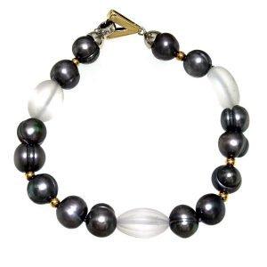 Bracciale di perle grigie e quarzo ialino