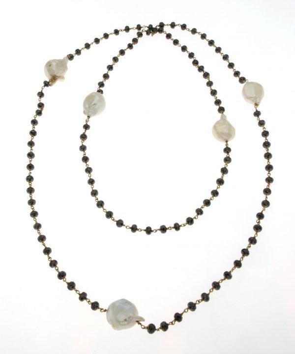 Collana di ematite rodiata oro nero con perle barocche coltivate di acqua dolce