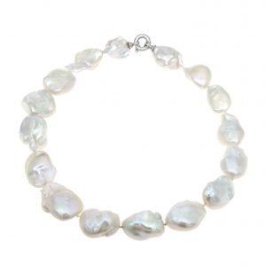 Collana di perle barocche e fermezza in oro