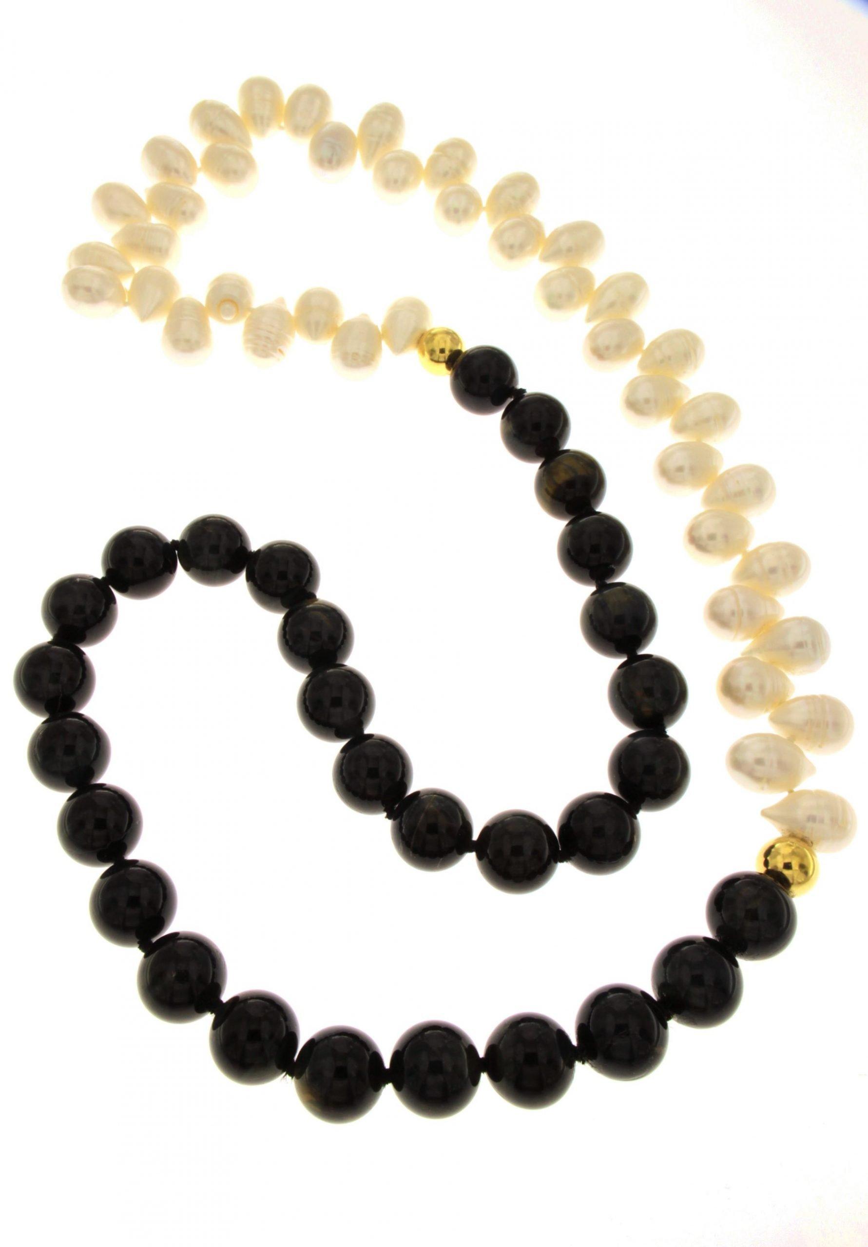 Collana di perle coltivate naturali in acqua dolce e boules di occhio di tigre