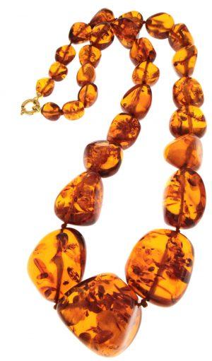 Collana in ambra naturale  del mar baltico con elementi in gradazione e irregolari