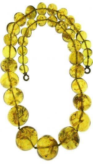 Collana in ambra naturale in gradazione con boules irregolari di grande effetto e naturalezza