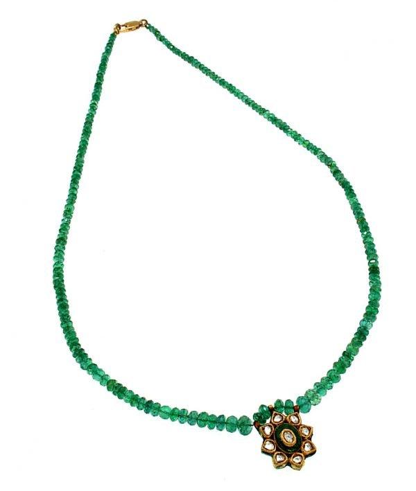 Collana in smeraldo con ciondolo
