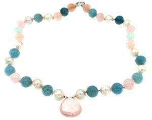 Collana lunga di perle e acquamarina con pendente in quarzo rosa