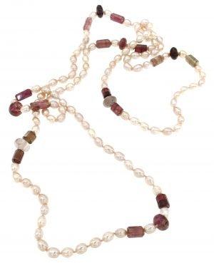 Collana lunga di perle e tormaline