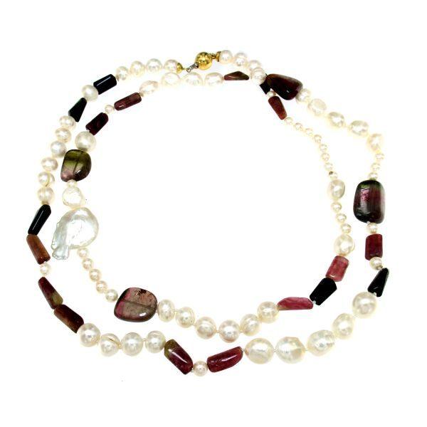 Collana lunga di perle e tormaline policrome